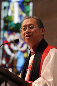 Bishop Lee addresses the ordinands