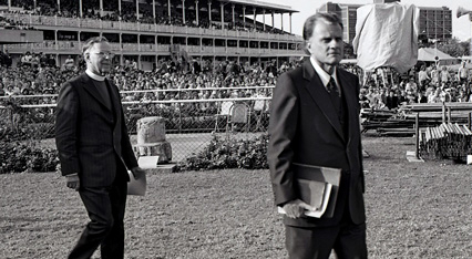 Archbishop Marcus Loane with Billy Graham at a Sydney Crusade (Photo: Ramon WIlliams)